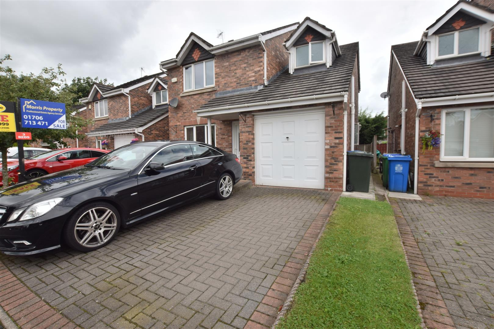 4 Bedrooms House for sale in Retford Avenue, Rochdale